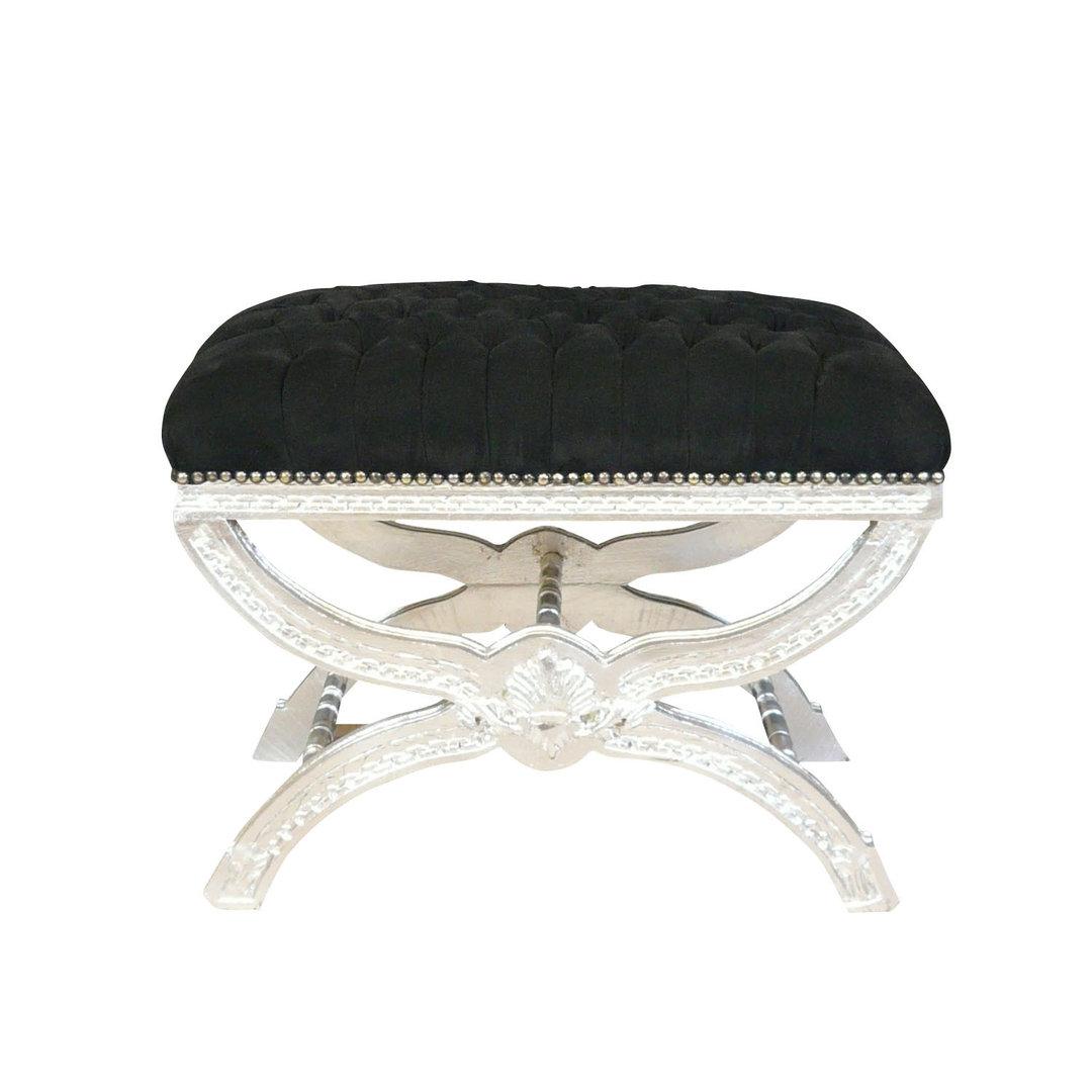 Pouf baroque noir capitonn canap baroque chaise baroque for Chaise baroque pas cher